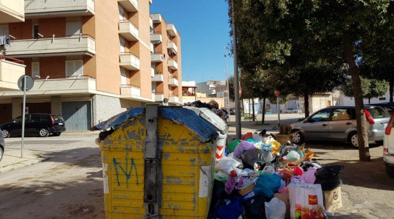 rifiuti in strada
