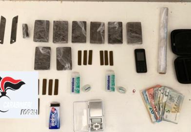 Nascondeva quasi 1kg di droga: arrestato