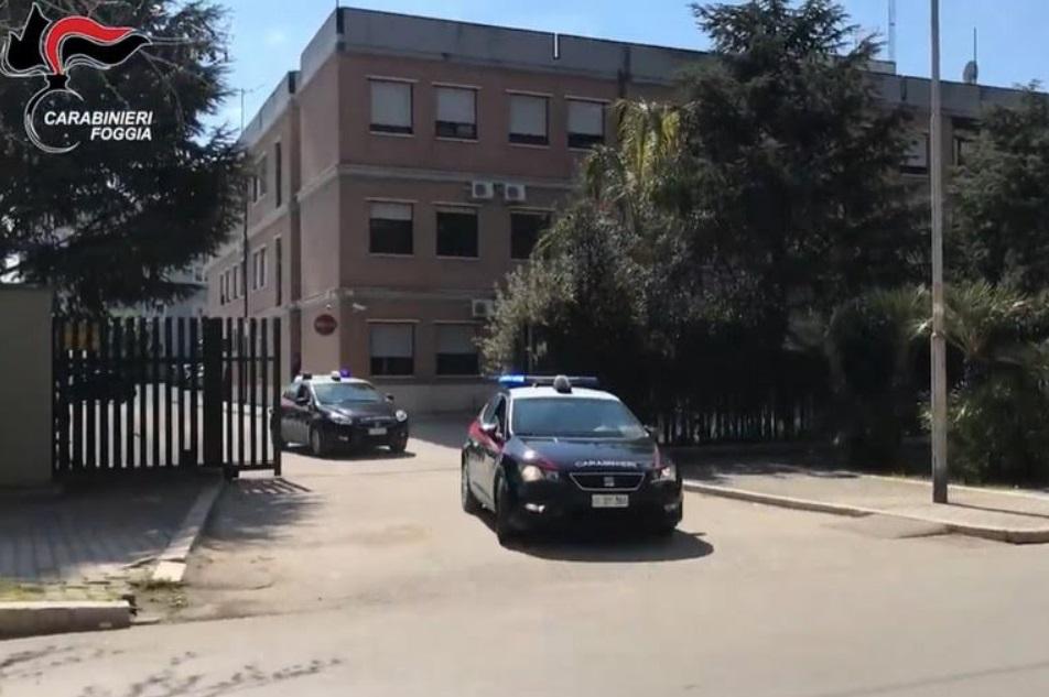 Sorpresi a cannibalizzare auto rubata: arrestati