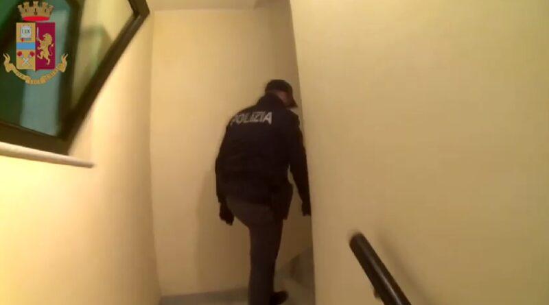 marchiodoc_polizia-droga2