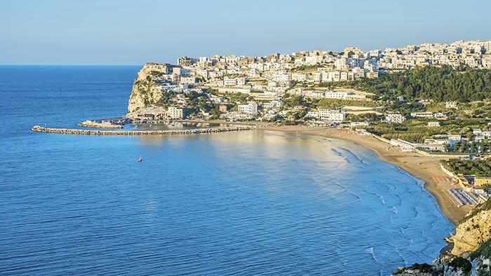 Boom di prenotazioni: ecco quando potrebbe iniziare la stagione balneare in Puglia