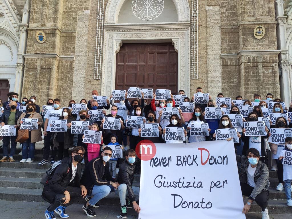 VIDEO   Cerignola di nuovo in piazza per Donato Monopoli: sit-in in piazza Duomo