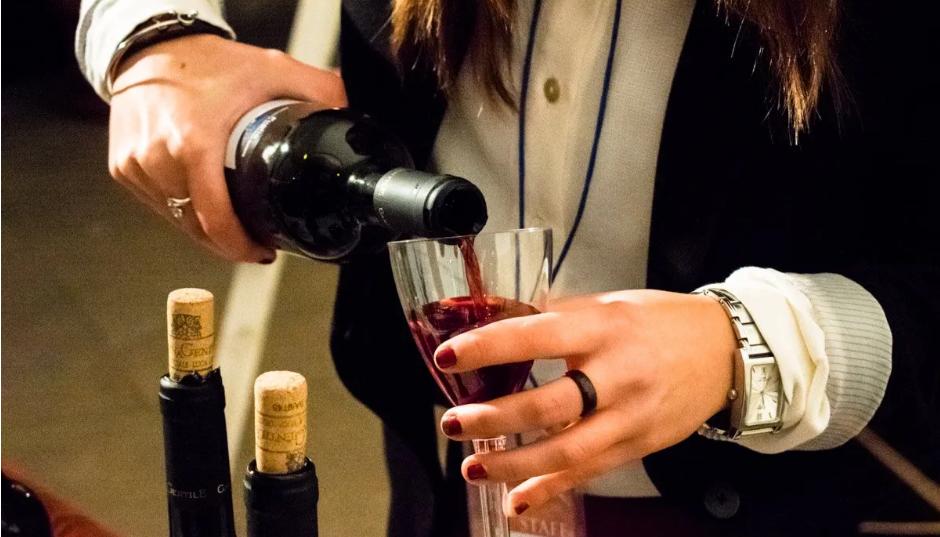 """""""Nero di Troia Wine Festival"""" si sposta in spiaggia: l'appuntamento a Margherita di Savoia"""