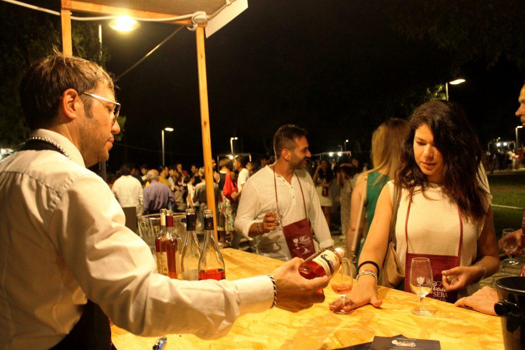 Quadri viventi di Caravaggio, vino e gastronomia: a Stornara torna Rosè di sera