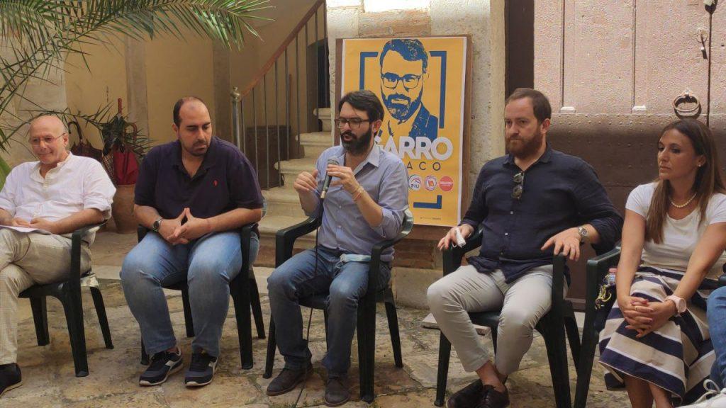 I candidati al consiglio comunale con Tommaso Sgarro