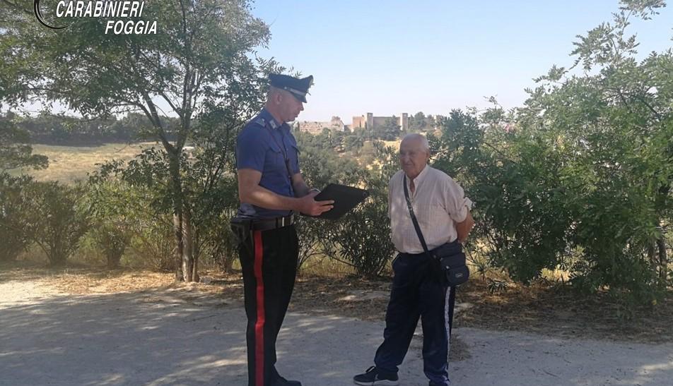 """""""Un pacco per suo nipote"""": i carabinieri svelano le più frequenti truffe agli anziani"""