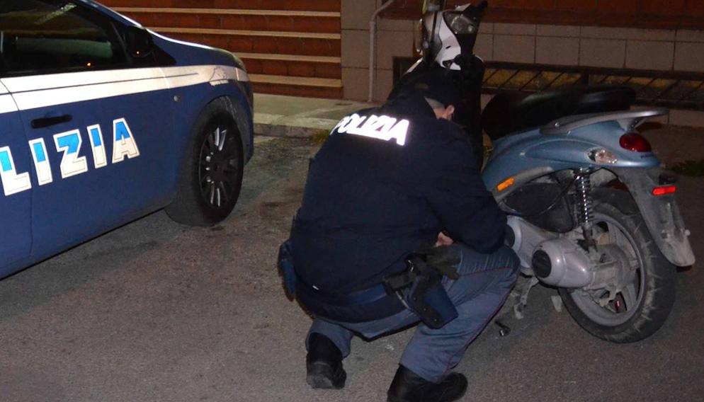 Rocambolesca fuga con lo scooter (a bordo pure una ragazza): un arresto a Cerignola