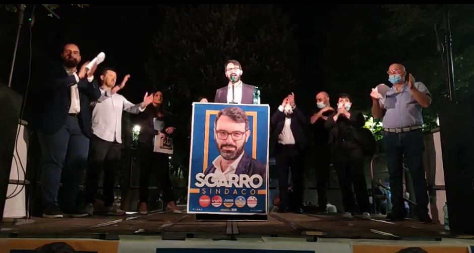 """Tommaso Sgarro in comizio: """"E' stata la città dei fallimenti, ora alziamo la testa"""""""